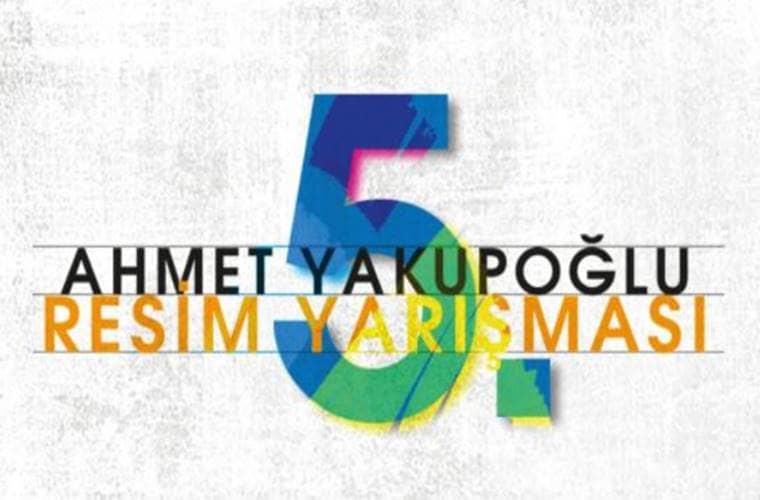 Bu yıl 5.si düzenlenen Ahmet Yakupoğlu Resim Yarışması duyuru görselidir. Görselde yarışma adı yazmakta ve çok büyük bir 5 rakamı görülmektedir.