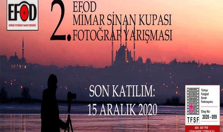 Mimar Sinan Kupası Fotoğraf Yarışması duyuru görselidir. Görselde Süleymaniye Camii'ni karşıdan çeken bir fotoğrafçı silueti görülmektedir.